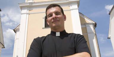 Pfarrer stört  Demo von Rechten