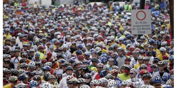 3.000 Radler beim Dreiländer-Giro
