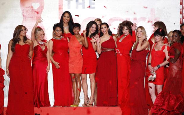 Rote Mode für guten Zweck