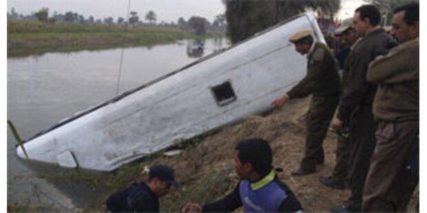 51 Tote bei schwerem Busunfall in Ägypten