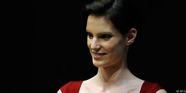Österreichs Best Model reiste weiter zu Lagerfeld