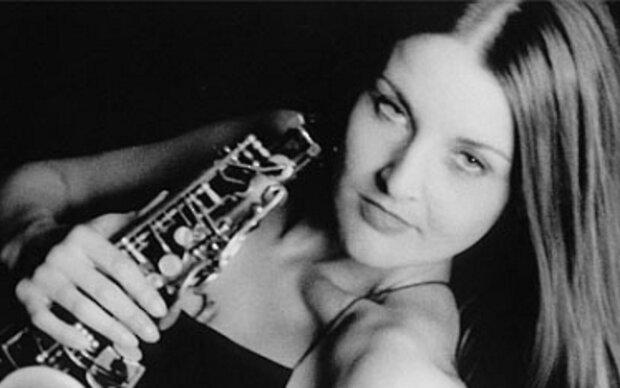 Karolina Strassmayer beehrt das Jazzland