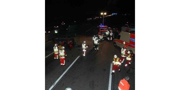 Drei Fahrzeuge bei A2-Crash involviert