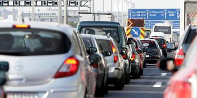 Unfall auf der A4 sorgt für Mega-Stau