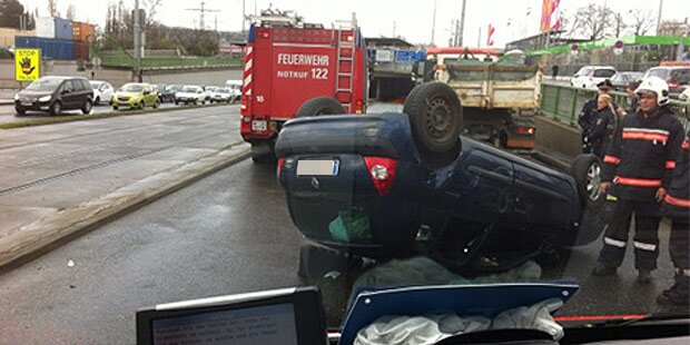Auto-Crash: Mädchen (14) schwer verletzt