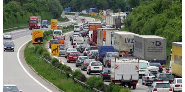 A2 in steirischer Pack nach Unfall gesperrt