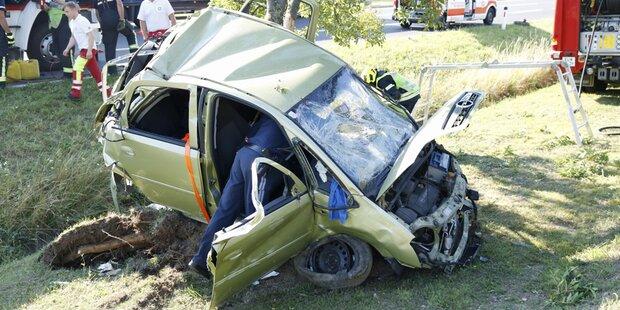 Lenker bei Unfall auf A3 schwer verletzt