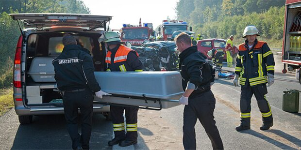 Nackte Geisterfahrerin: Auch 2. Tochter tot