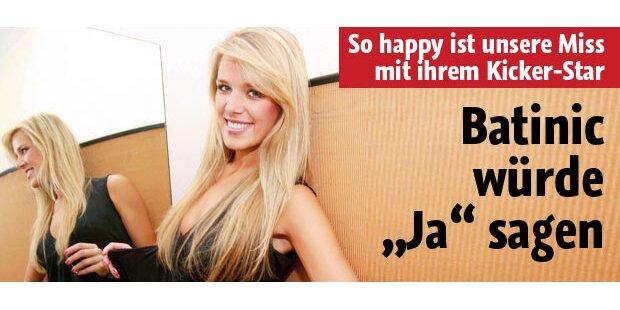 So happy ist unsere Miss mit Kicker-Star