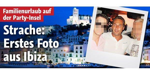 Straches erstes Foto aus Ibiza