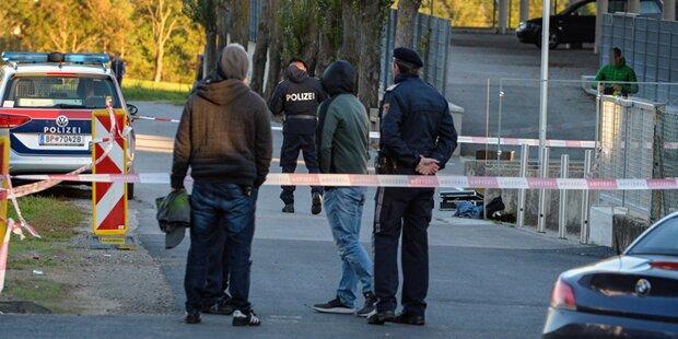 Messer-Stecherei vor Berufsschule: Zwei Verletzte