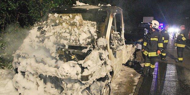 Abschleppwagen fing plötzlich Feuer