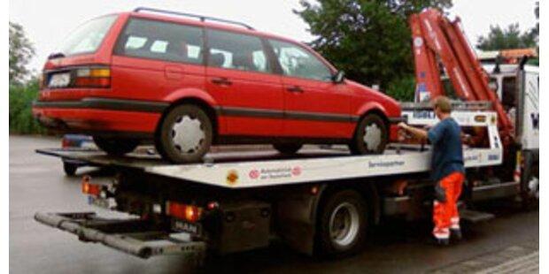 Auto mit Baby in Split abgeschleppt