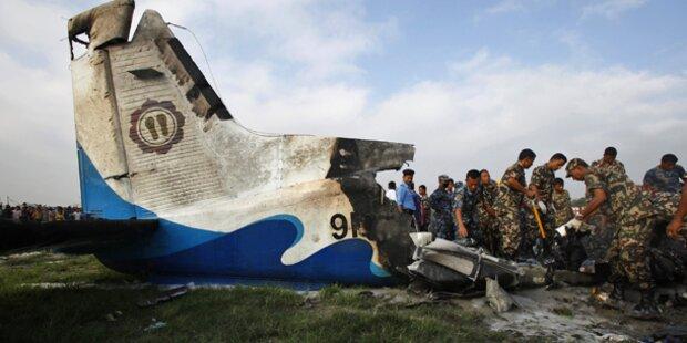 19 Tote bei Flugzeugabsturz in Nepal