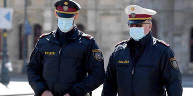 Auch Polizisten ab sofort mit Mundschutz unterwegs