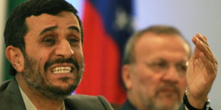"Ahmadinejad nennt Dollar ""wertloses Papier"""