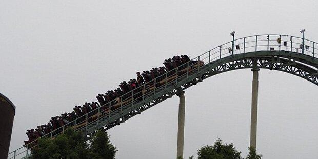 Achterbahn bleibt in 30 Metern Höhe stehen