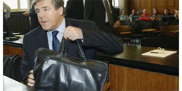 Neuer Verdacht gegen Deutsche-Bank-Chef Ackermann