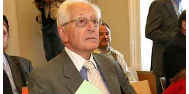 Adamovich - Rücktritt verschoben