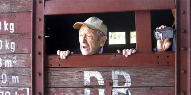 Mann (89) drehte Musikvideo in Auschwitz