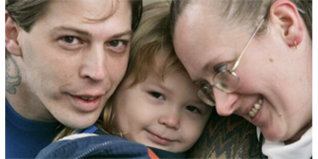 3-Jähriger namens Adolf Hitler wurde Eltern weggenommen