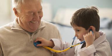 Leben Patienten von Jungärzten länger?