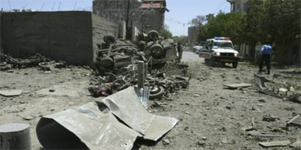Vier Tote bei Selbstmordanschlägen