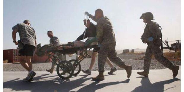 Soldaten mit Panzerfäusten angegriffen