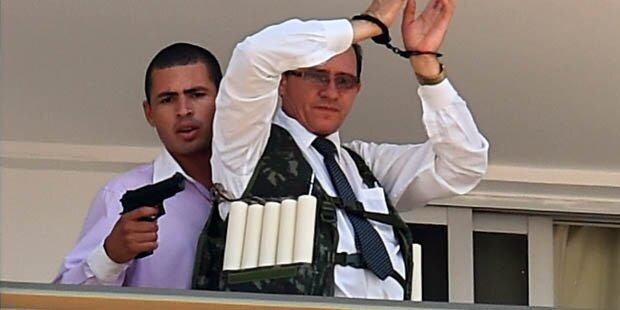 Bewaffneter nahm Geisel in Hotel