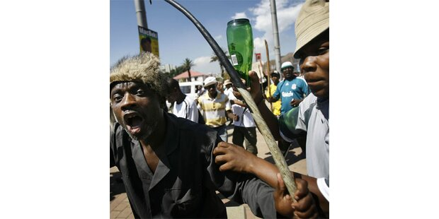 Streikende Taxler lähmen Johannesburg