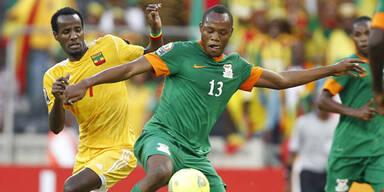 Titelverteidiger Sambia startet mit Remis