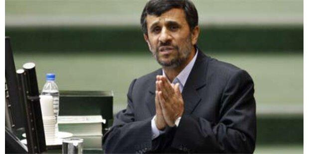 Ahmadinejad gibt im Atomstreit nach