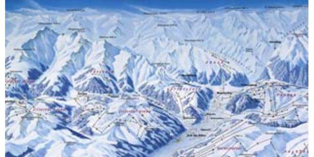 Zwei Snowboarder stürzen im Zillertal tödlich ab
