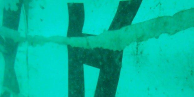 Flug QZ8501: Heck der Maschine gefunden