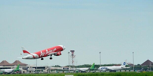 Zwei Wrackteile von AirAsia-Airbus entdeckt