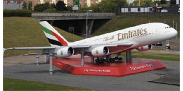 Erster A380 wird an Emirates ausgeliefert