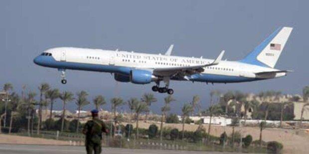 Präsidenten-Jet bläst Flugzeug um