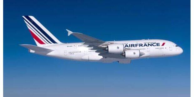 Erster Linienflug mit Super-Airbus A380