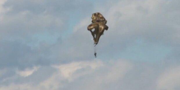 Zwei Fallschirmspringer bei Show abgestürzt