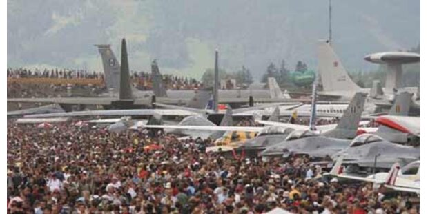 Massenauflauf bei Flugshow