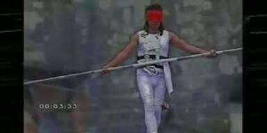 Wahnsinn: Akrobat überlebt Sturz aus 200 m