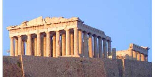 Kaugummi und Stöckelschuhe gefährden Akropolis