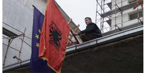 Albanien reicht EU-Beitrittsansuchen ein