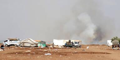 Tausende fliehen vor IS-Offensive