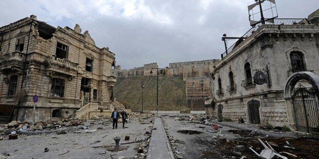 Rebellen beschießen nach Abzug wieder Aleppo