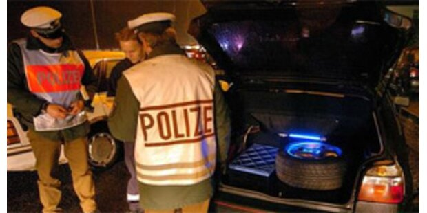 Tiroler Alkolenker verletzt Deutschen schwer