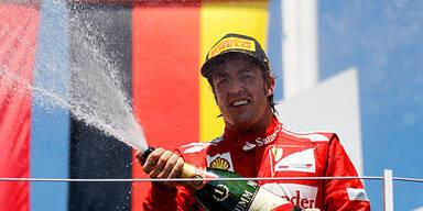 Alonso rast zum Sieg
