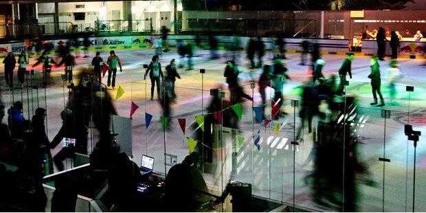 Heiße Eisdisco eröffnet neue Saison