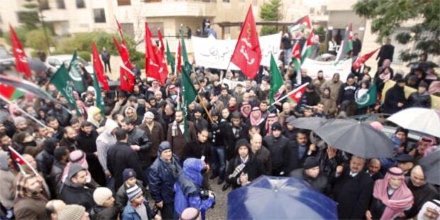 Tausend Demonstranten fordern Reformen