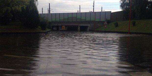 Starkregen überflutete Straßen